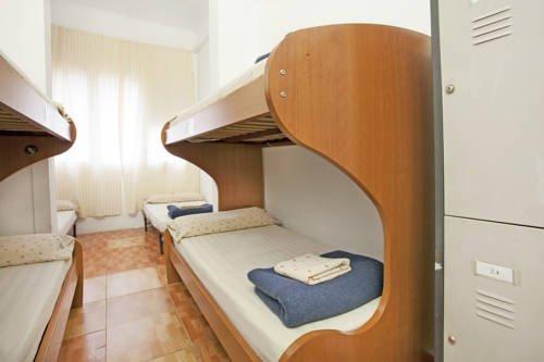 Sant Jordi Hostel Arago