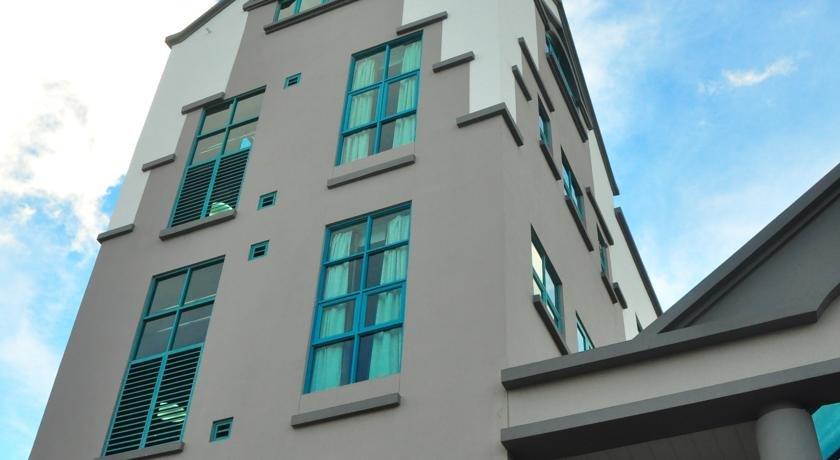 Отель Tat Place Hotel в Куала-Белайте