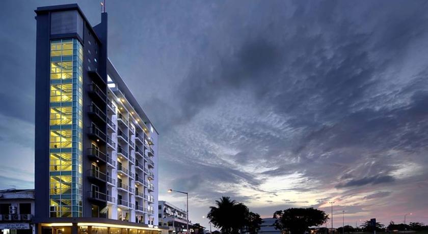 Отель RoomZ Hotel в Куала-Белайте