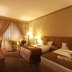 Landmark Summit Hotel 4* Улучшенный номер с различными типами кроватей фото 11