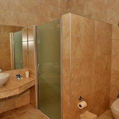 The Blue Lagoon Deluxe Hotel ванная