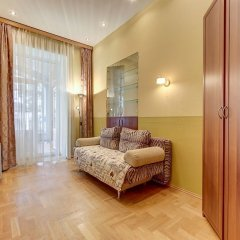 Гостиница FlatStar on Nevsky 27 в Санкт-Петербурге 7 отзывов об отеле, цены и фото номеров - забронировать гостиницу FlatStar on Nevsky 27 онлайн Санкт-Петербург комната для гостей фото 5