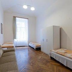 Отель Gallery Hostel Чехия, Прага - отзывы, цены и фото номеров - забронировать отель Gallery Hostel онлайн комната для гостей фото 5