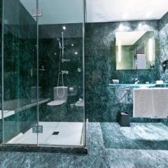 AC Hotel Córdoba by Marriott ванная фото 2