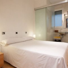 Отель Rent Top Apartments Las Ramblas Испания, Барселона - отзывы, цены и фото номеров - забронировать отель Rent Top Apartments Las Ramblas онлайн комната для гостей фото 2