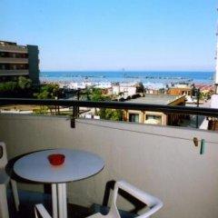 Hotel Metropol Гаттео-а-Маре балкон