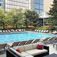 Отель Sheraton Centre Toronto Hotel Канада, Торонто - отзывы, цены и фото номеров - забронировать отель Sheraton Centre Toronto Hotel онлайн бассейн фото 3