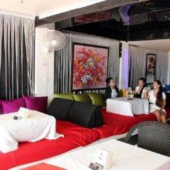 Отель Room Club The Bed Suite развлечения