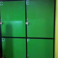 Silla Patong Hostel сейф в номере