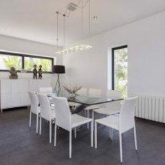 Отель Architecture Villa In Sitges Hills Оливелла в номере фото 2