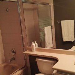 Отель Maple Guesthouse Канада, Ванкувер - отзывы, цены и фото номеров - забронировать отель Maple Guesthouse онлайн ванная