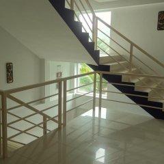 Отель But Different Phuket Guesthouse интерьер отеля фото 3