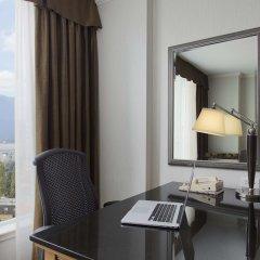 Отель Hilton Vancouver Metrotown Канада, Бурнаби - отзывы, цены и фото номеров - забронировать отель Hilton Vancouver Metrotown онлайн удобства в номере