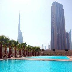 Отель Kennedy Towers Burj Daman бассейн