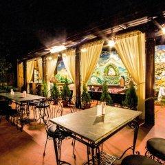 Отель Tibet Непал, Катманду - отзывы, цены и фото номеров - забронировать отель Tibet онлайн питание фото 2