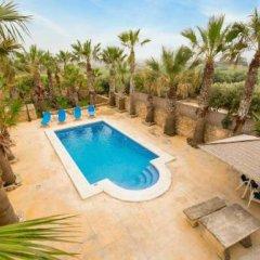 Отель Villa Veduta Мальта, Айнсилем - отзывы, цены и фото номеров - забронировать отель Villa Veduta онлайн бассейн фото 3