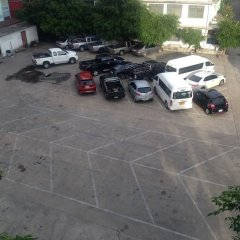 The Dynasty Hotel парковка