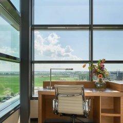 Отель Hyatt Place Amsterdam Airport Нидерланды, Хофддорп - 5 отзывов об отеле, цены и фото номеров - забронировать отель Hyatt Place Amsterdam Airport онлайн балкон