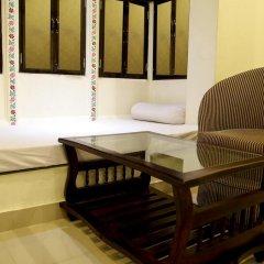Отель Shaam E Retreat сейф в номере