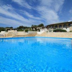 Отель Scogliera del Gabbiano Италия, Гальяно дель Капо - отзывы, цены и фото номеров - забронировать отель Scogliera del Gabbiano онлайн бассейн фото 3