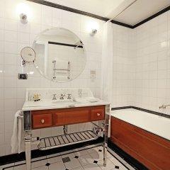 Отель Millennium Hotel Paris Opera Франция, Париж - 10 отзывов об отеле, цены и фото номеров - забронировать отель Millennium Hotel Paris Opera онлайн ванная