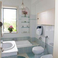 Отель Deluxe Apartment in Villa Pantarei Италия, Поццалло - отзывы, цены и фото номеров - забронировать отель Deluxe Apartment in Villa Pantarei онлайн ванная фото 2
