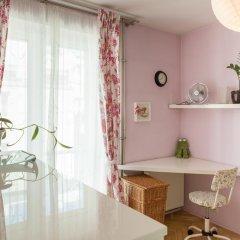 Апартаменты Bizzi LuxCenter View Studio в номере