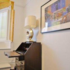 Отель Vancouver Hideaway Guesthouse Канада, Ванкувер - отзывы, цены и фото номеров - забронировать отель Vancouver Hideaway Guesthouse онлайн интерьер отеля