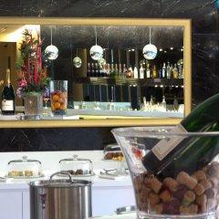 Отель JetQuay Suites Сингапур гостиничный бар