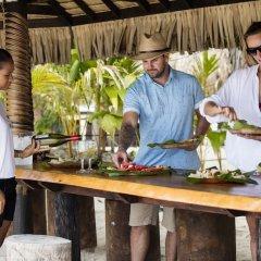 Отель Haumana Cruises - Bora-Bora to Taha'a (Monday to Thursday) Французская Полинезия, Бора-Бора - отзывы, цены и фото номеров - забронировать отель Haumana Cruises - Bora-Bora to Taha'a (Monday to Thursday) онлайн гостиничный бар