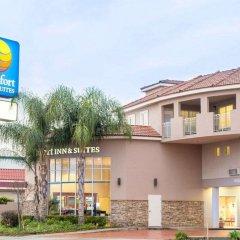 Отель Comfort Inn And Suites Near Universal Studios Лос-Анджелес парковка