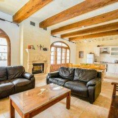 Отель Villa Veduta Мальта, Айнсилем - отзывы, цены и фото номеров - забронировать отель Villa Veduta онлайн комната для гостей фото 4