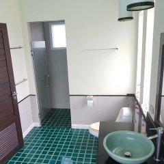 Отель Karon Beach Walk Villa ванная