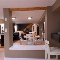 Отель Commercial Drive Accommodations Канада, Ванкувер - отзывы, цены и фото номеров - забронировать отель Commercial Drive Accommodations онлайн комната для гостей фото 3