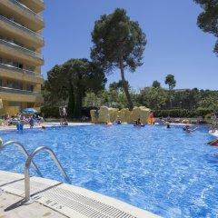 Отель Medplaya Hotel Calypso Испания, Салоу - отзывы, цены и фото номеров - забронировать отель Medplaya Hotel Calypso онлайн бассейн фото 2