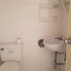 Отель The Nelson Guest House Pattaya ванная