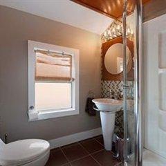 Отель Commercial Drive Accommodations Канада, Ванкувер - отзывы, цены и фото номеров - забронировать отель Commercial Drive Accommodations онлайн ванная
