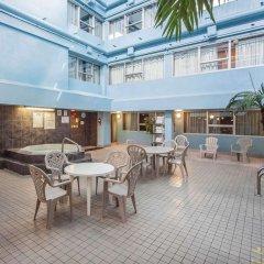 Отель Comfort Inn & Suites Downtown Edmonton гостиничный бар