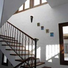 Отель Hostal Extramuros Испания, Кониль-де-ла-Фронтера - отзывы, цены и фото номеров - забронировать отель Hostal Extramuros онлайн интерьер отеля фото 2