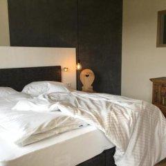 Отель Ballguthof Лана сейф в номере