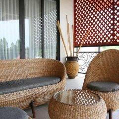 Отель Phoenix Lakeside Pool Villa балкон