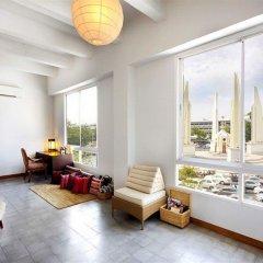 Отель Baan Dinso @ Ratchadamnoen Бангкок комната для гостей фото 2