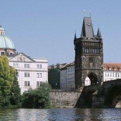 Отель Ibis Praha Mala Strana Прага приотельная территория фото 2