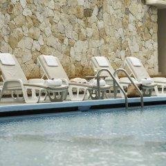 Отель Mision Merida Panamericana бассейн