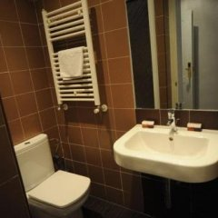Отель Ch Lemon Rooms Madrid ванная