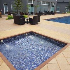 Отель Golden Tulip Ibadan бассейн