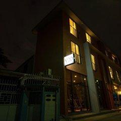 Отель V20 boutique hotel Таиланд, Бангкок - отзывы, цены и фото номеров - забронировать отель V20 boutique hotel онлайн вид на фасад