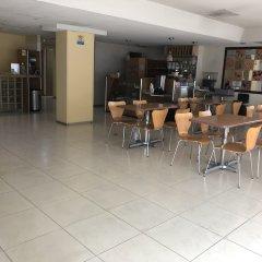 Отель Ibeurohotel Expo Мексика, Гвадалахара - отзывы, цены и фото номеров - забронировать отель Ibeurohotel Expo онлайн гостиничный бар