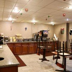 Отель Days Inn by Wyndham Hollywood Near Universal Studios США, Лос-Анджелес - 1 отзыв об отеле, цены и фото номеров - забронировать отель Days Inn by Wyndham Hollywood Near Universal Studios онлайн питание фото 3