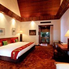 Отель Mom Tri's Villa Royale сейф в номере